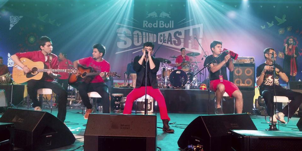 A Leading Pop Musical Band Rocking In A Concert.
